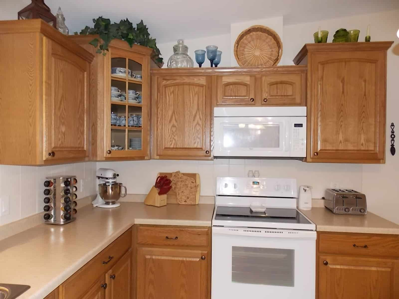 dishwasher and microwave in Milton, WI home