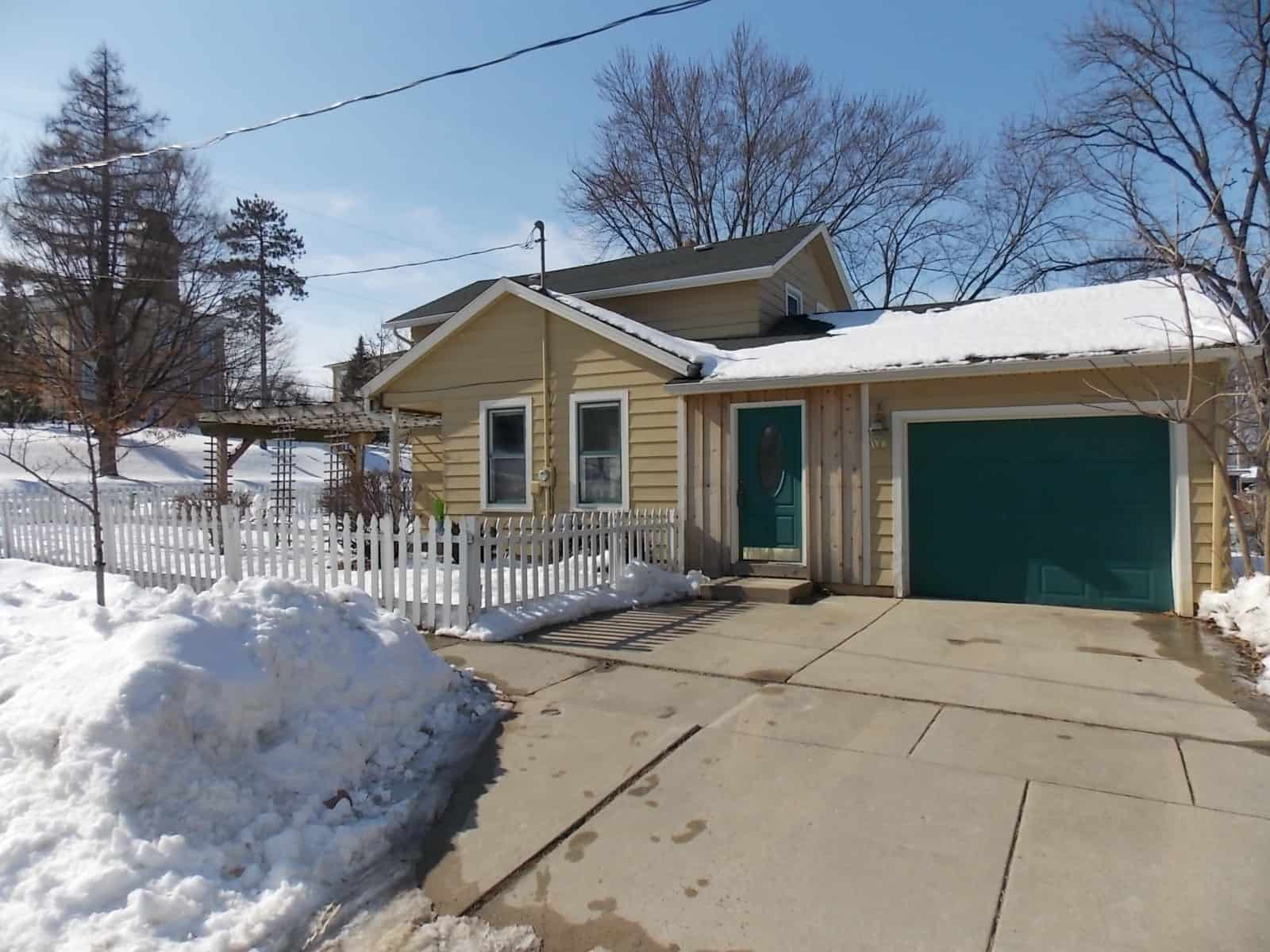 house for sale at 522 College St Milton, WI