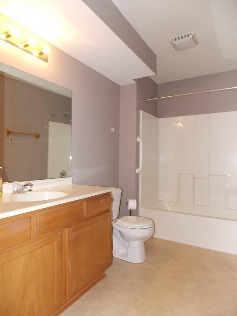 bathroom in Delavan, WI condo for sale