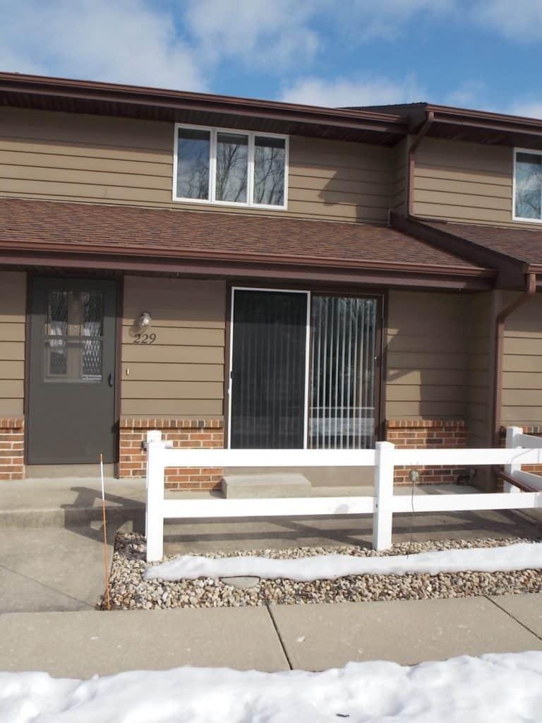 229 Ba Wood Ln Janesville, WI condo for sale